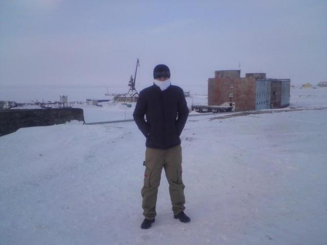 На берегу северного ледовитого океана ))