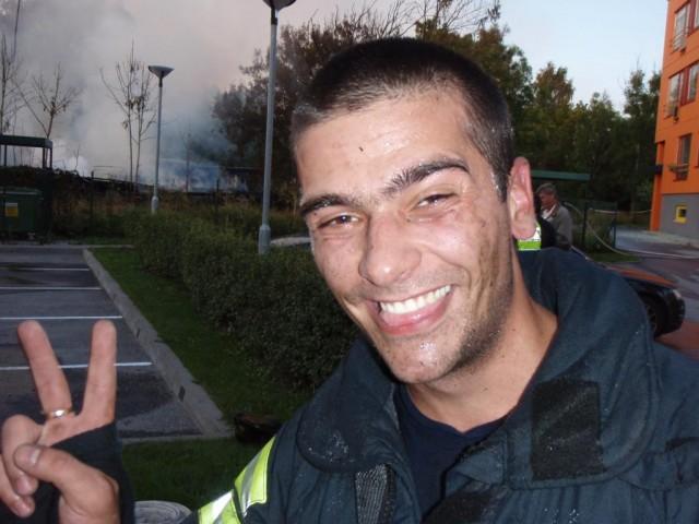веселый пожарный :)