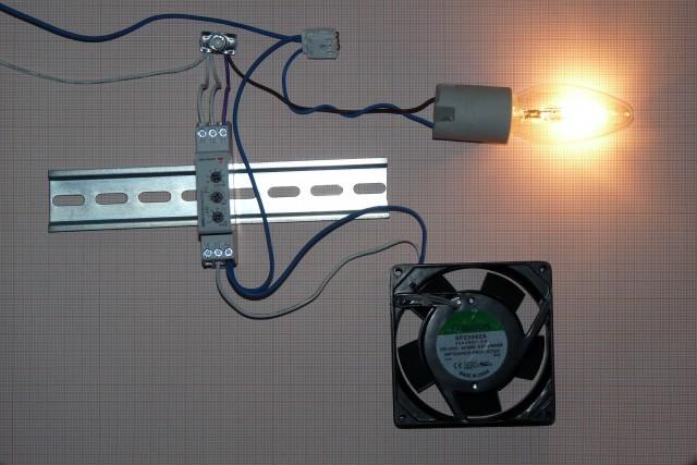 подключение вентилятора в ванной от освещения