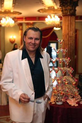 Ведущий праздников экстра класса Михаил Диденко