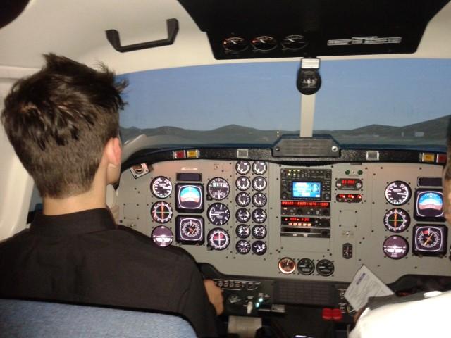 Набираем высоту 7620 м и скорость 365 км/час